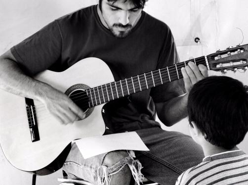 Clase guitarra Danilo Urbina