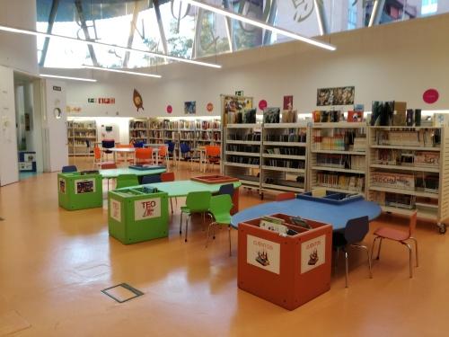 Biblioteca Luis Martín Santos de Villa de Vallecas. Sala infantil.